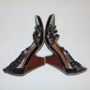 Kenneth Cole Reaction Pine Language Heels Size 8.5